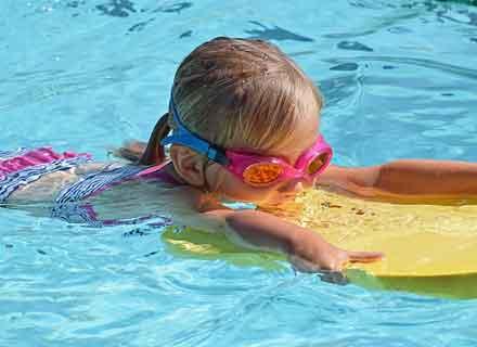 corso di nuoto per bambini dai 4 ai 5 anni piscine valdobbiadene treviso