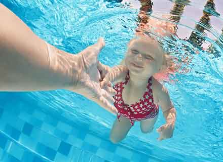 nuoto libero piscina piccola vaschino interno valdobbiadene treviso